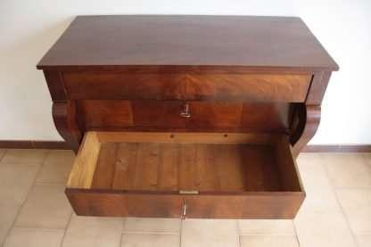 Dresser en el estilo Segundo Imperio, a principios del siglo XX, el norte de Italia