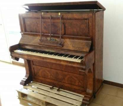 Piano vertical Frederick Reogh, 1870, Londres