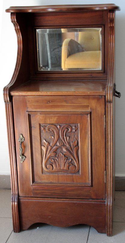 Carbonaia (gabinete para sostener brasero) Inglés caoba maciza segunda mitad del siglo XIX